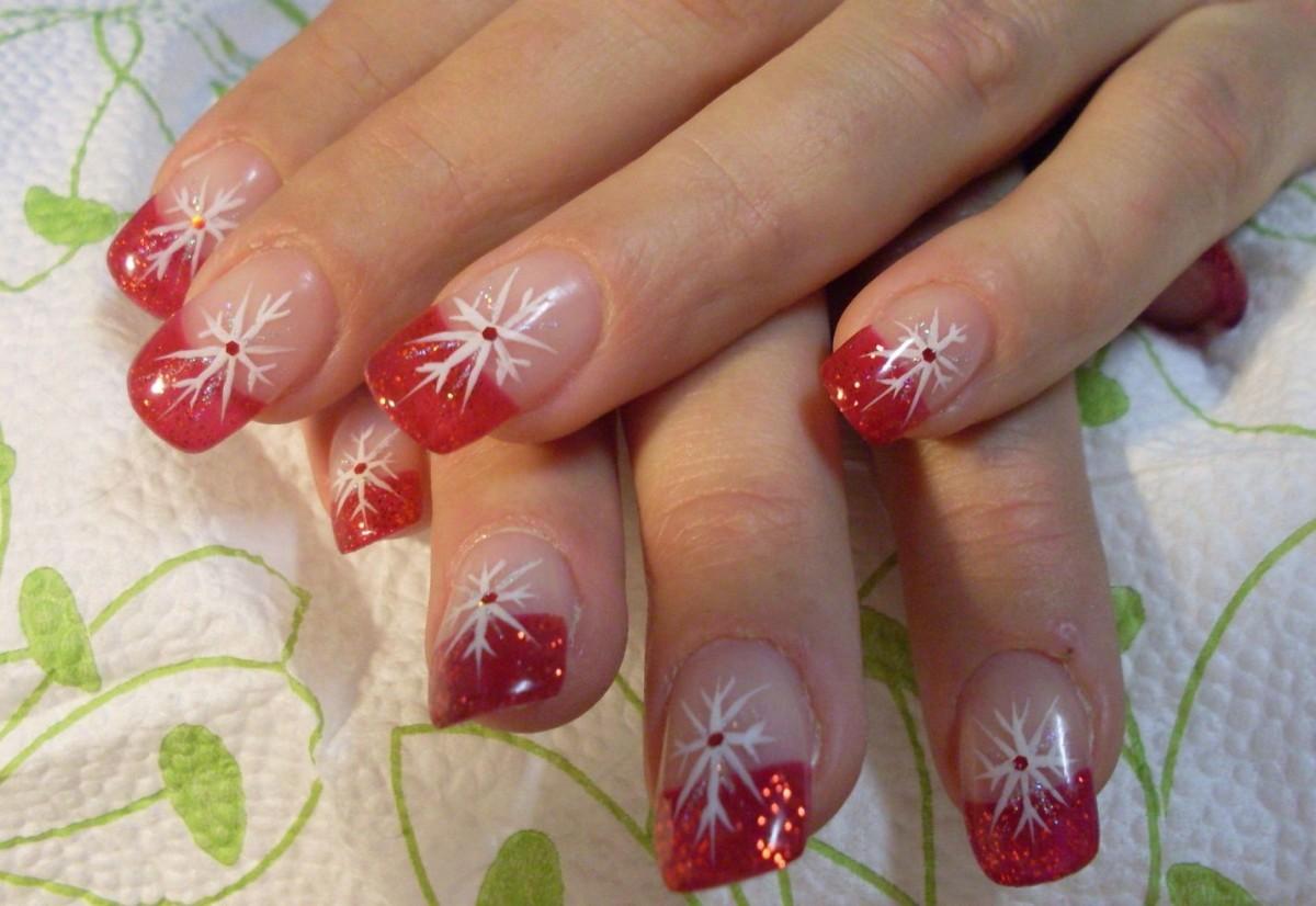 Фото ногтей с рисунками новогодние